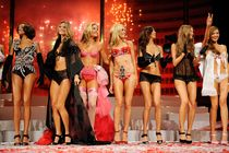 Hude bejbe - Victoria's Secret Angels - thumbnail