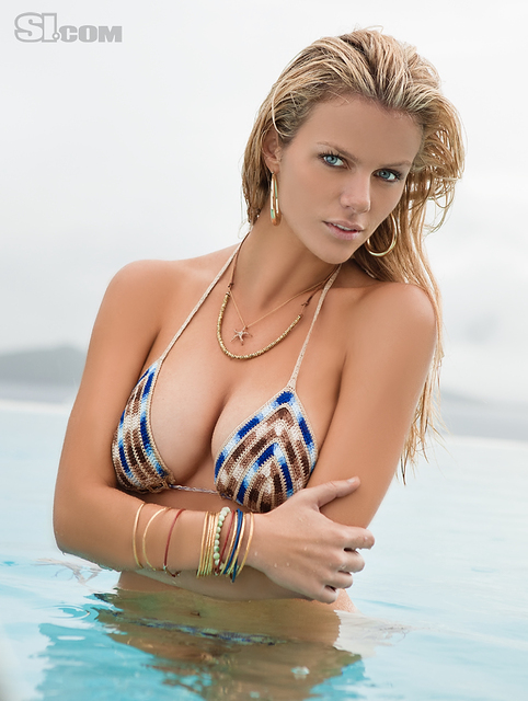 Brooklyn Decker v kopalkah v Sports Illustrated Swimsuit 2011