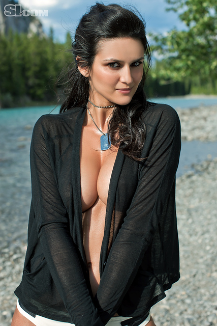 Leryn Franco v kopalkah - Sports Illustrated Swimsuit 2011