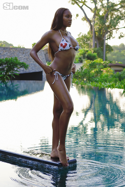 Damaris Lewis v kopalkah - Sports Illustrated Swimsuit 2011