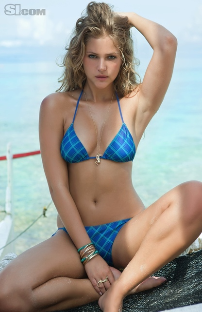 Esti Ginzburg v kopalkah - Sports Illustrated Swimsuit 2011