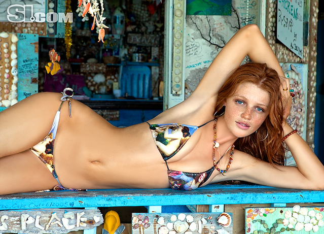 Cintia Dicker v kopalkah - Sports Illustrated Swimsuit 2011