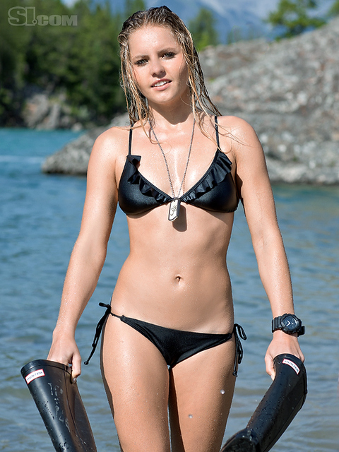 Bruna Schmitz v kopalkah - Sports Illustrated Swimsuit 2011