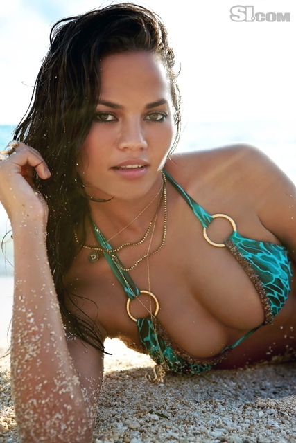 Chrissy Teigen v kopalkah - Sports Illustrated Swimsuit 2011